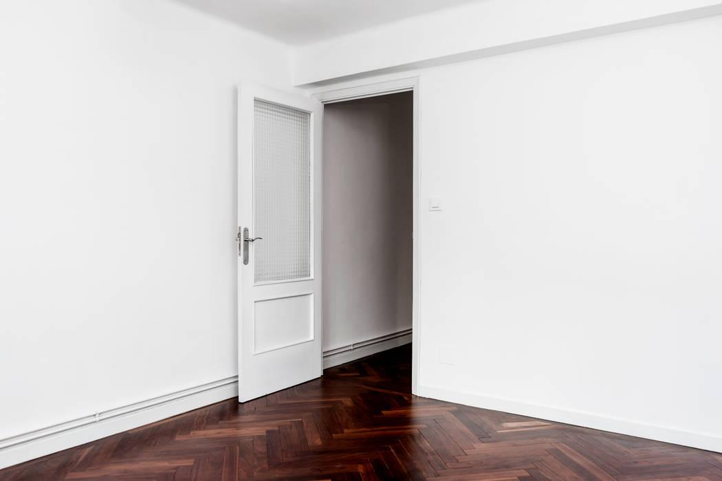 Wooden doors توسطPEZA