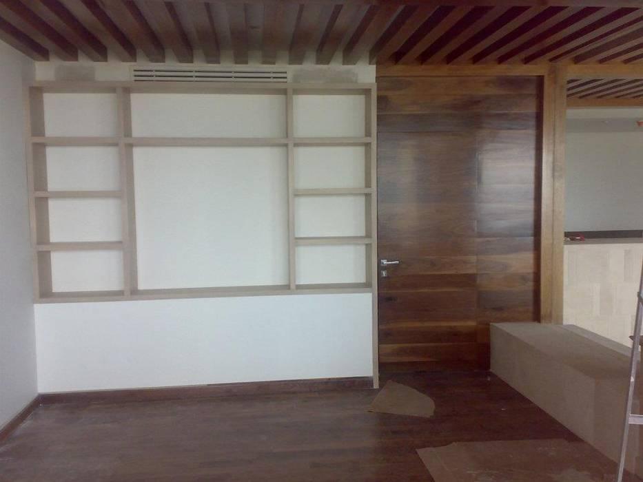 Puertas de madera de estilo  de Solución en Carpinteria