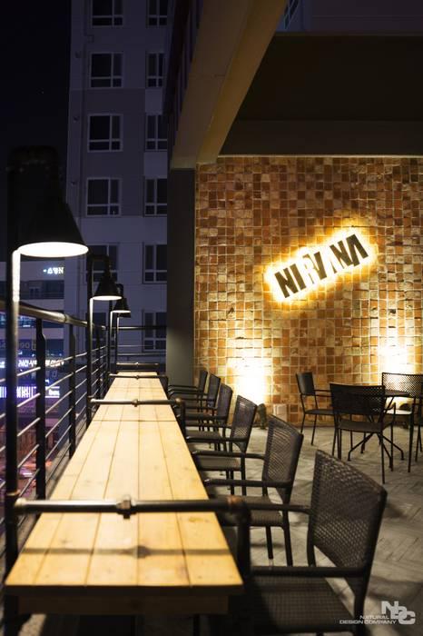 Bars & clubs by 내츄럴디자인컴퍼니,