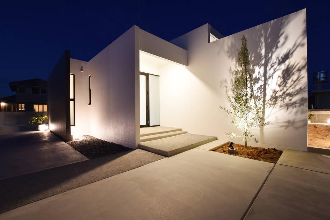 玄関ポーチ: Style Createが手掛けた廊下 & 玄関です。,モダン コンクリート