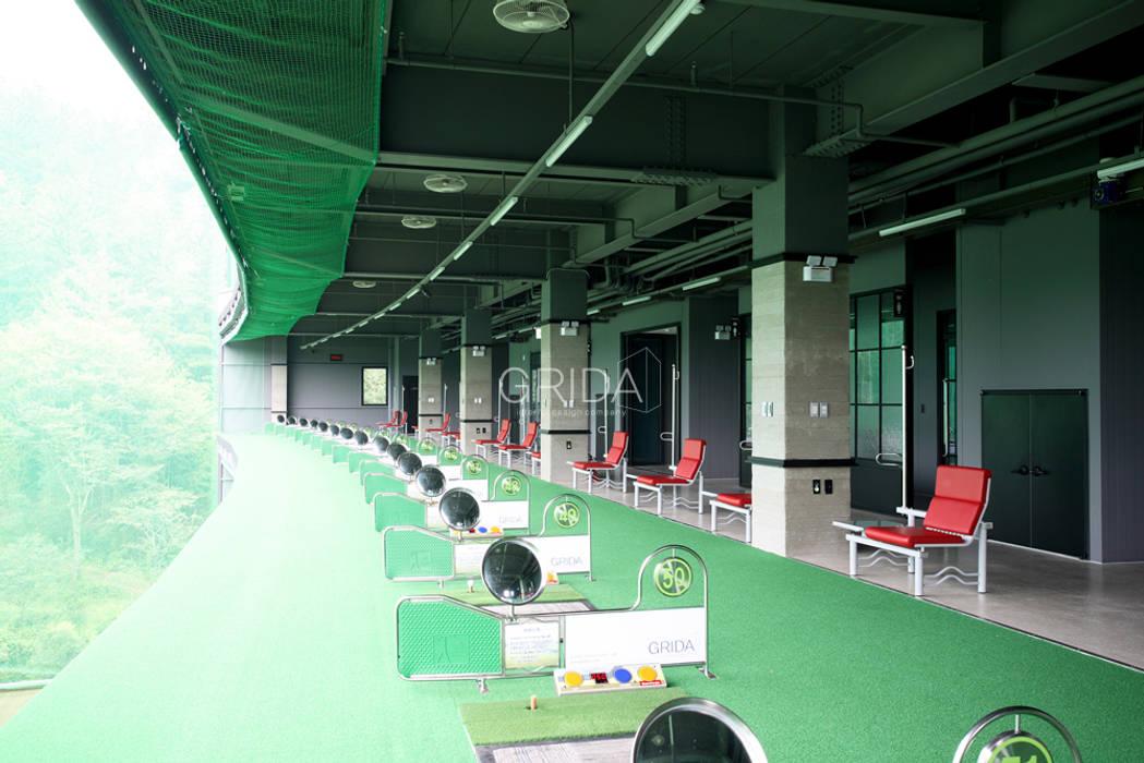 경남 관광농원 골프클럽 '남강원' 인더스트리얼 피트니스 룸 by 그리다아이디 인더스트리얼