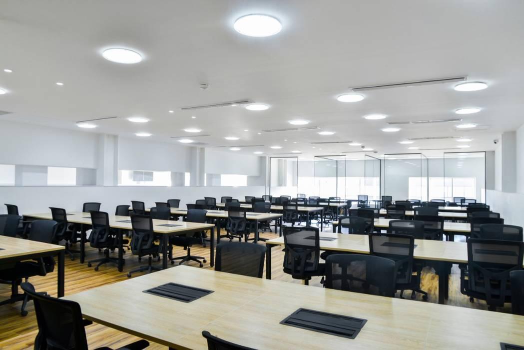 Minimalistische Arbeitszimmer von Parámetro Arquitectura & Ingeniería Minimalistisch