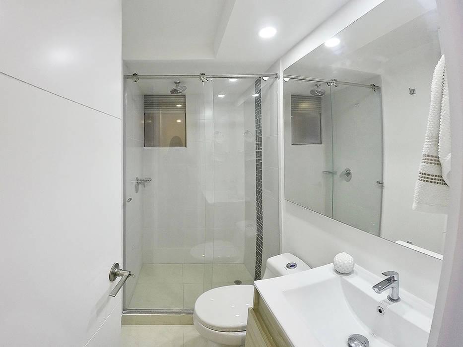 apartamento en Chia-Cundinamarca Baños de estilo moderno de TikTAK ARQUITECTOS Moderno