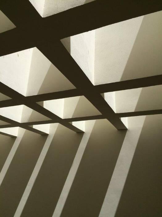 by UG ARQUITECTOS Mediterranean Reinforced concrete