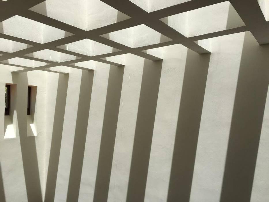 UG ARQUITECTOSが手掛けたルーフバルコニー, 地中海 鉄筋コンクリート