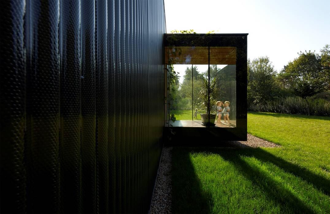 Streckhof reloaded - Einfamilienhaus für einen Winzer von Franz&Sue Modern Metall