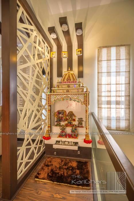 Pooja Room Designs :  Corridor & hallway by The KariGhars,Classic
