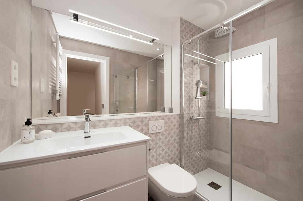 Cuarto de baño 2 Baños de estilo moderno de Sincro Moderno Azulejos