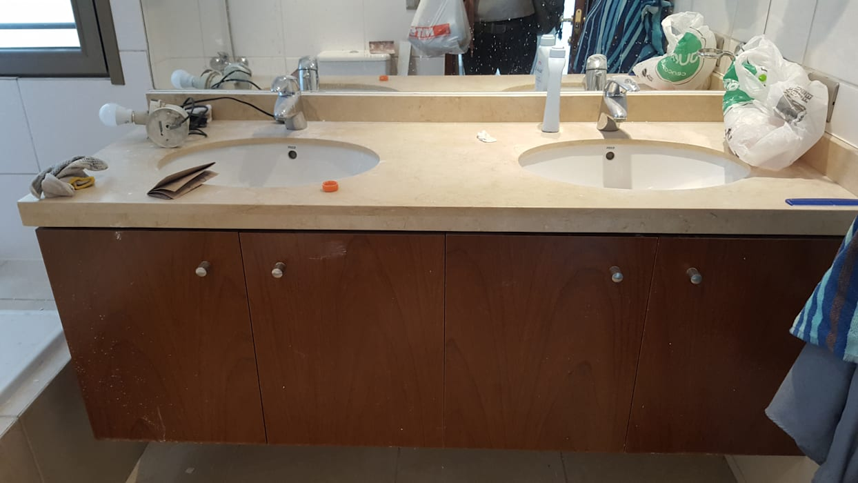Modern Bathroom by Constructora CYB Spa Modern