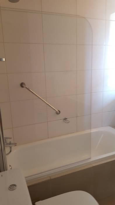 Intalacion shower Baños modernos de Constructora CYB Spa Moderno