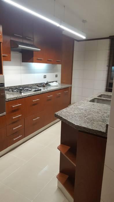Remodelacion cocina Cocinas modernas: Ideas, imágenes y decoración de Constructora CYB Spa Moderno
