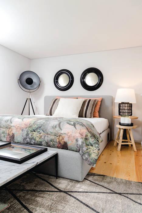 TGV Interiores의  작은 침실