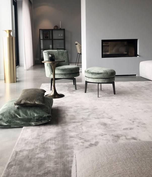 Pied a Terre Amsterdam Moderne woonkamers van Martje Overmeer Interiors Modern