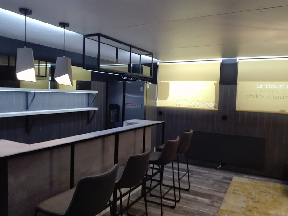 Kellerbar am Bodensee Industriale Weinkeller von STYLE-interior design, Ganal + Sloma Industrial