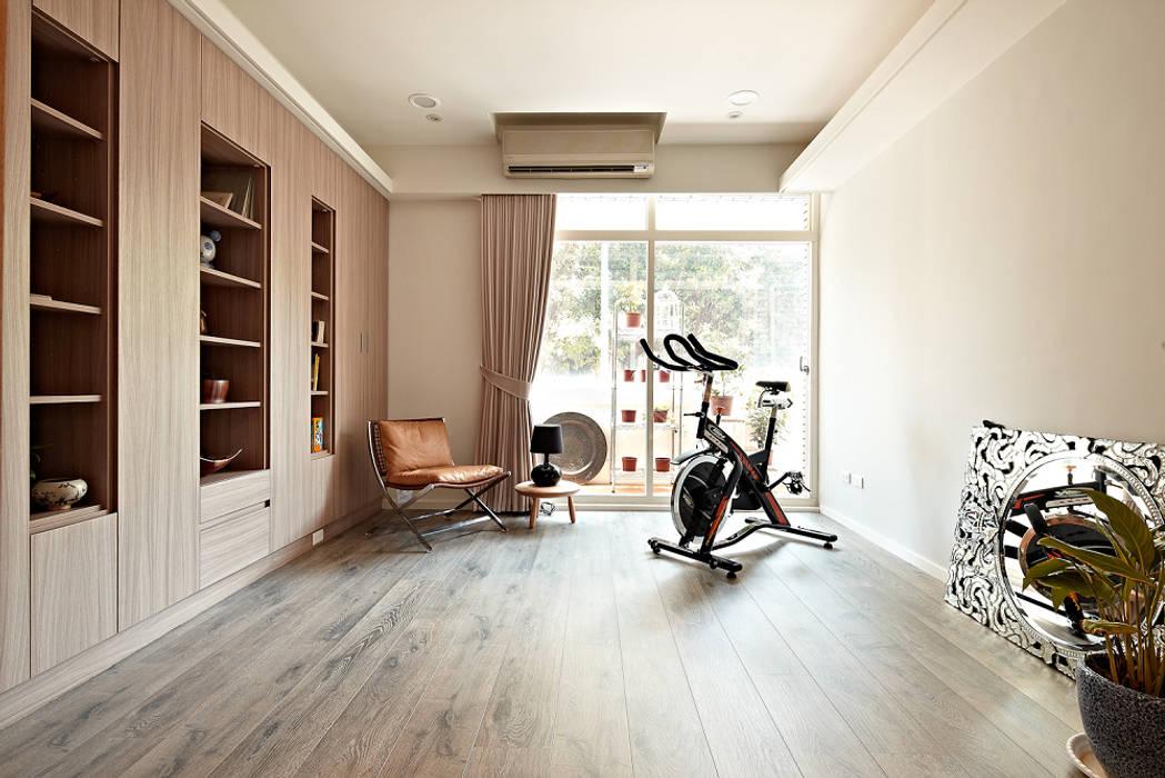 Scandinavian style gym by 耀昀創意設計有限公司/Alfonso Ideas Scandinavian