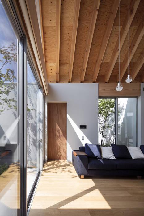 鈴鹿の平屋: プラスアトリエ一級建築士事務所が手掛けたリビングです。,オリジナル