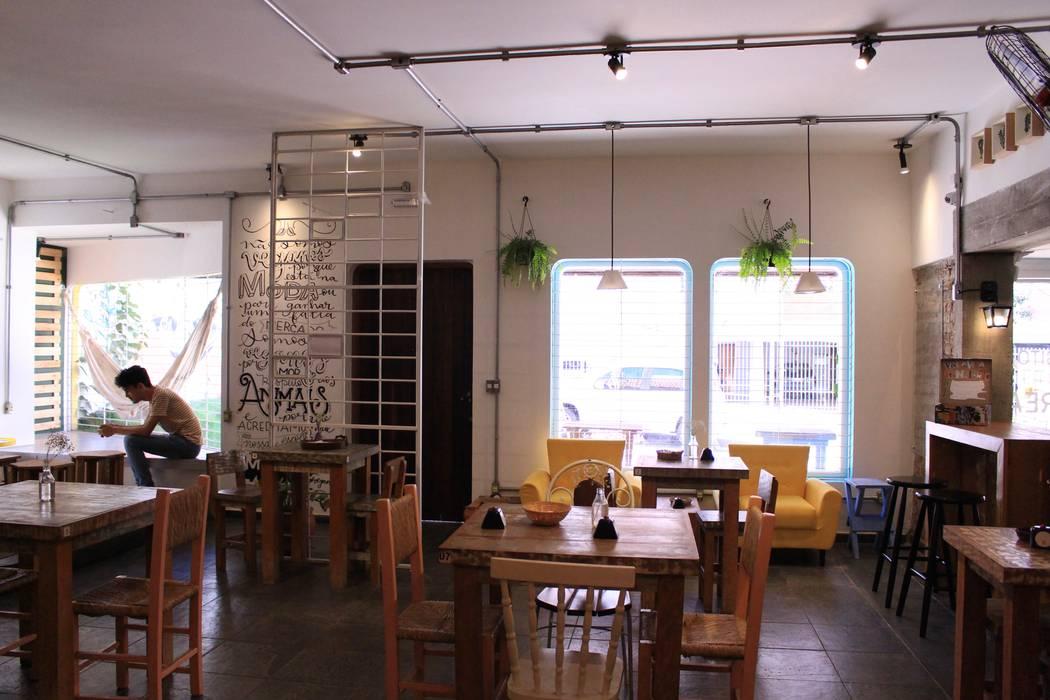 Commercial Spaces by Quatro Fatorial Arquitetura e Urbanismo,