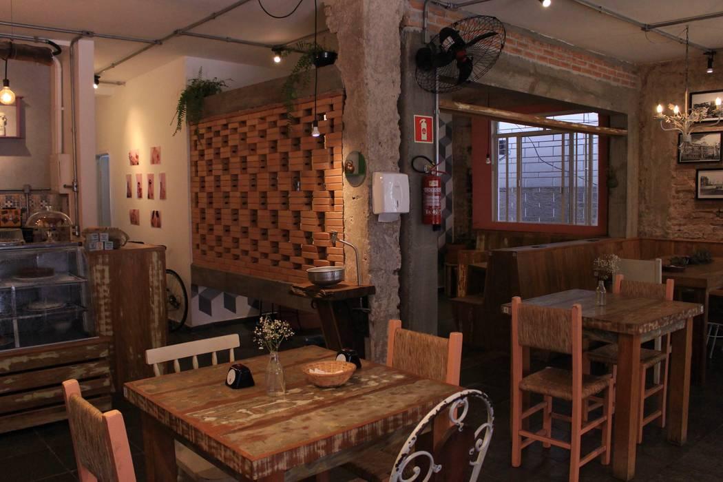 Reforma Café Espaços comerciais rústicos por Quatro Fatorial Arquitetura e Urbanismo Rústico