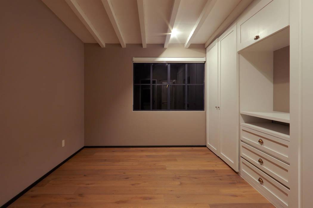 Recámara 2 Dormitorios modernos de BACE arquitectos Moderno