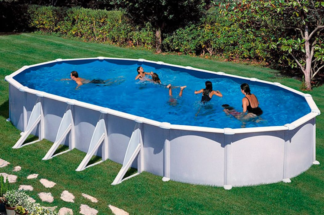 Garden Pool by Outlet Piscinas,