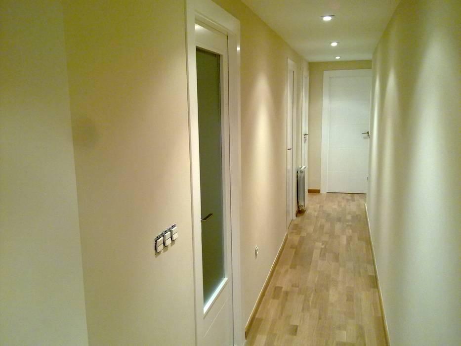 Dinding & Lantai Modern Oleh Obrisa Reformas y rehabilitaciones. Modern