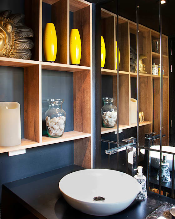 Salle de bain originale par CHAVARRO ARQUITECTURA Éclectique Bois composite