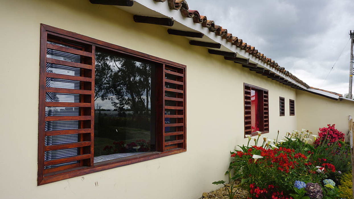 Country style windows & doors by homify Country Solid Wood Multicolored