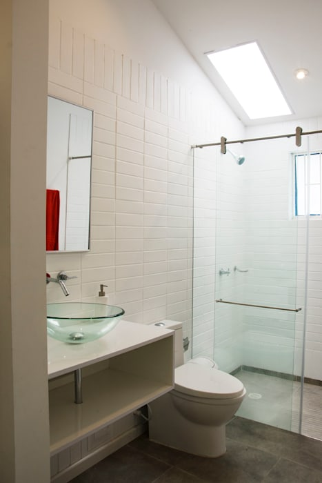 Baño: Baños de estilo  por CHAVARRO ARQUITECTURA,