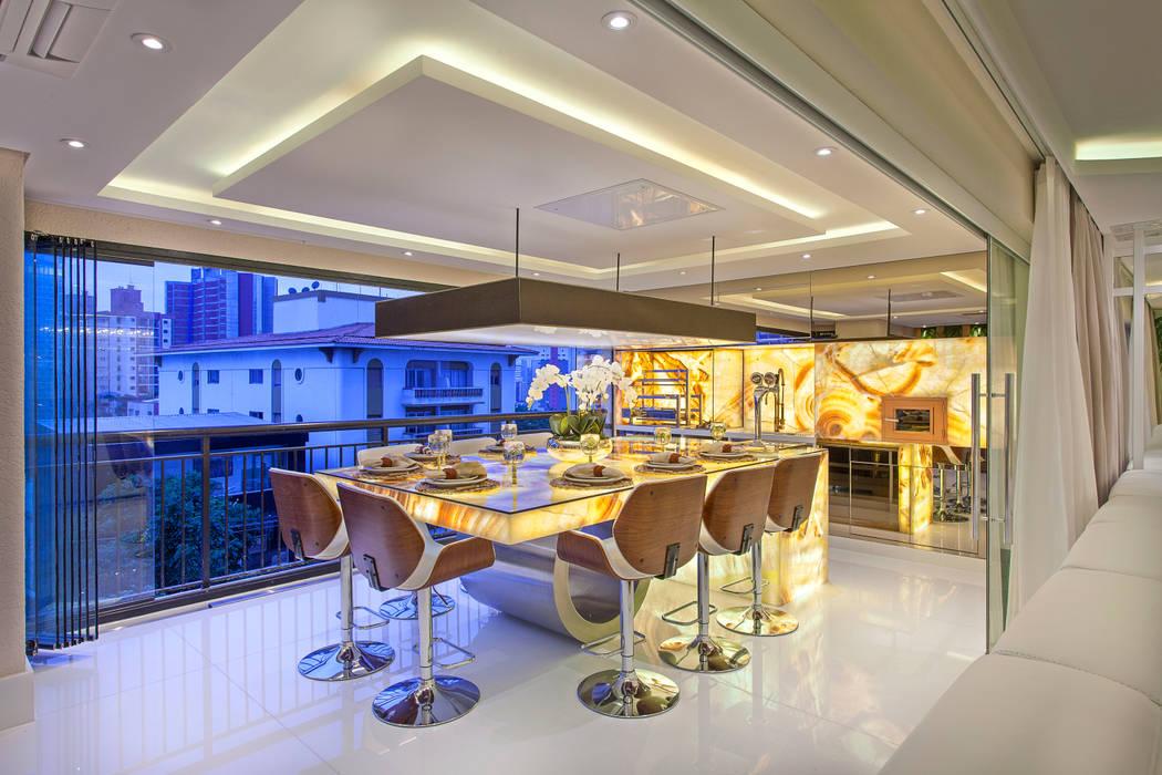 Balcón de estilo  por Designer de Interiores e Paisagista Iara Kílaris, Moderno