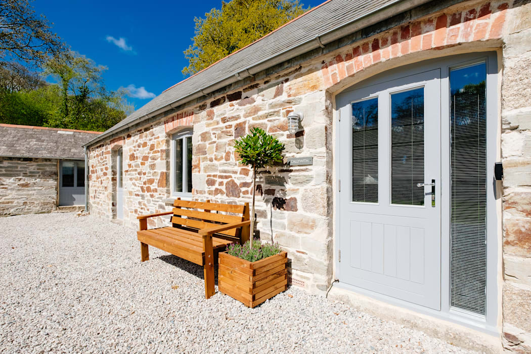 Callywith, Cardinham:  Front garden by Perfect Stays