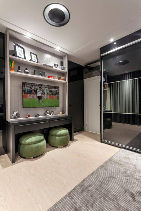 Casa Mont Blanc Quartos modernos por Designer de Interiores e Paisagista Iara Kílaris Moderno
