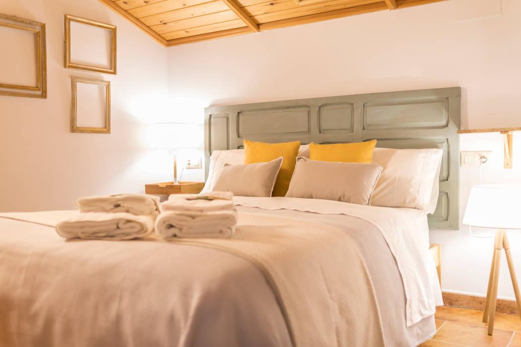 Bedroom oleh Arte y Vida Arquitectura