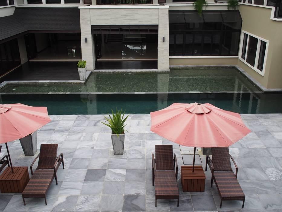Luxury Bungalows @ Lorong Gurney Kuala Lumpur:  Terrace by Mode Architects Sdn Bhd,