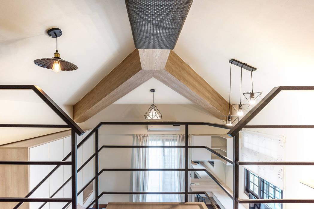 Lean-to roof by 德廚臻品 室內設計公司, Asian