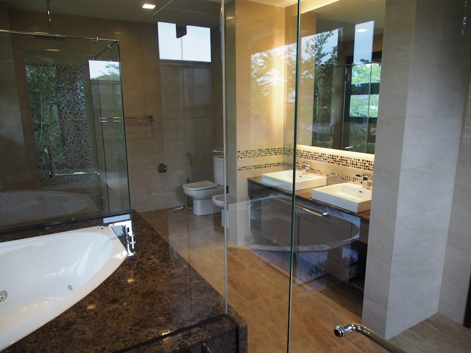 Luxury Bungalows @ Lorong Gurney Kuala Lumpur Tropical style bathrooms by Mode Architects Sdn Bhd Tropical