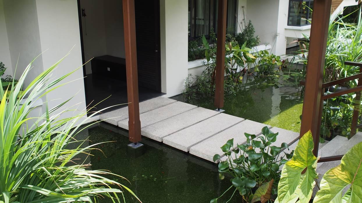 Luxury Bungalow In Sungai Penchala Kuala Lumpur:  Garden by Mode Architects Sdn Bhd,