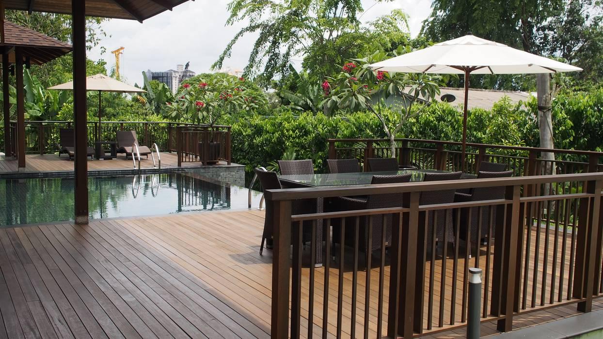 Luxury Bungalow In Sungai Penchala Kuala Lumpur:  Pool by Mode Architects Sdn Bhd,