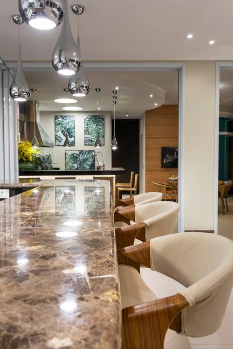 Casa Antúrio Cozinhas modernas por Arquiteto Aquiles Nícolas Kílaris Moderno