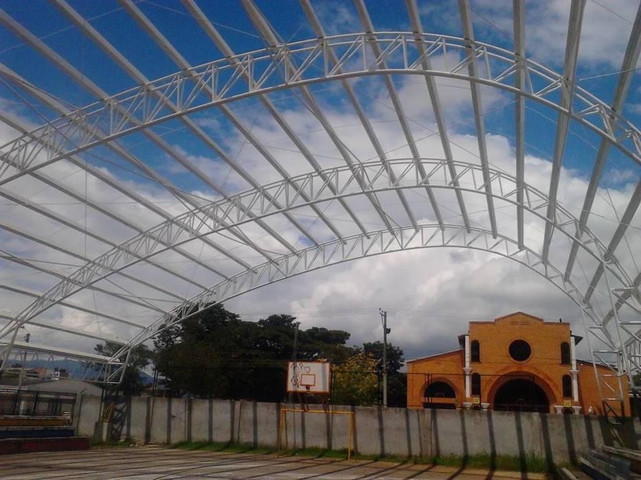 ESTRUCTURAS METALICAS Y CUBIERTAS Bodegas de estilo moderno de Globo Natural Moderno