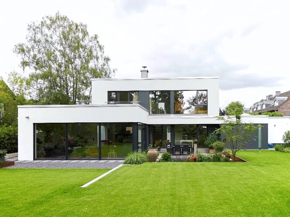 Gartenansicht von seyfarth stahlhut architekten bda PartGmbB Modern Stein