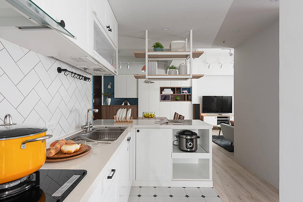 微甜莫蘭迪:  廚房 by 知域設計, 北歐風