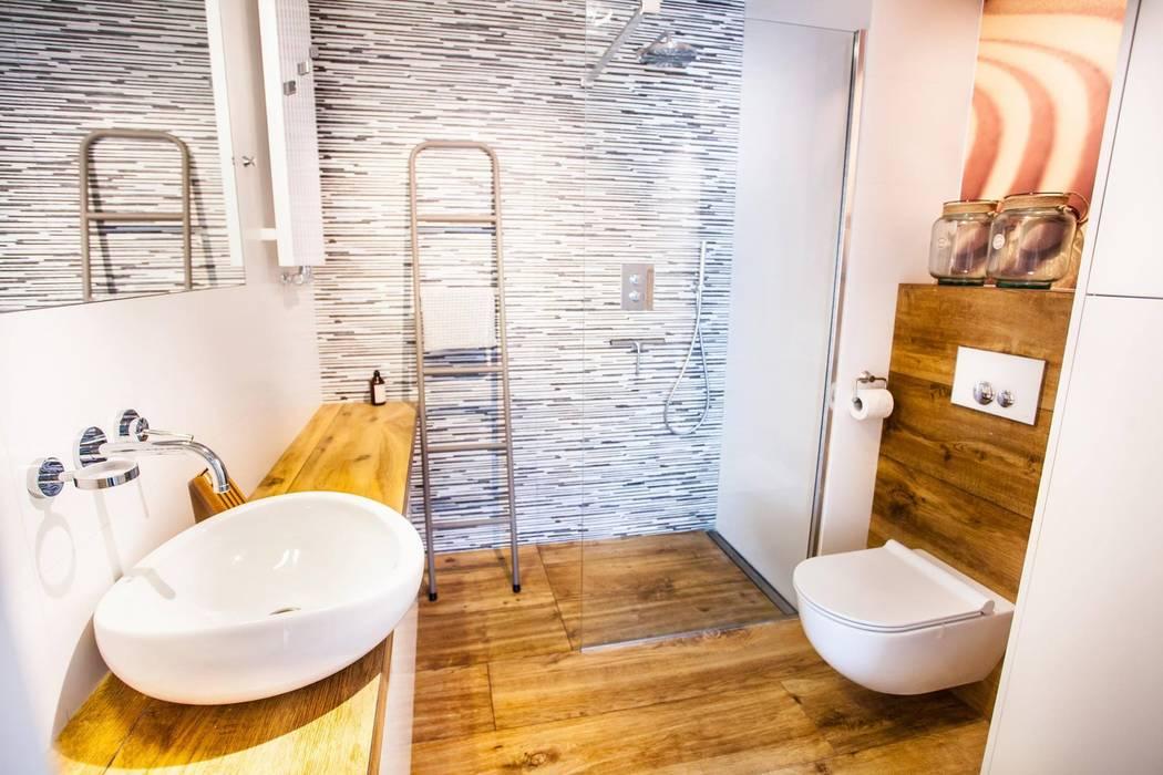 łazienka W Gresie Drewnopodobnym Styl W Kategorii