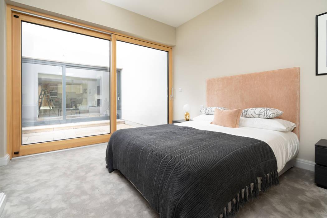 Bedroom Sliding Patio Door توسط Marvin Windows and Doors UK مدرن چوب Wood effect