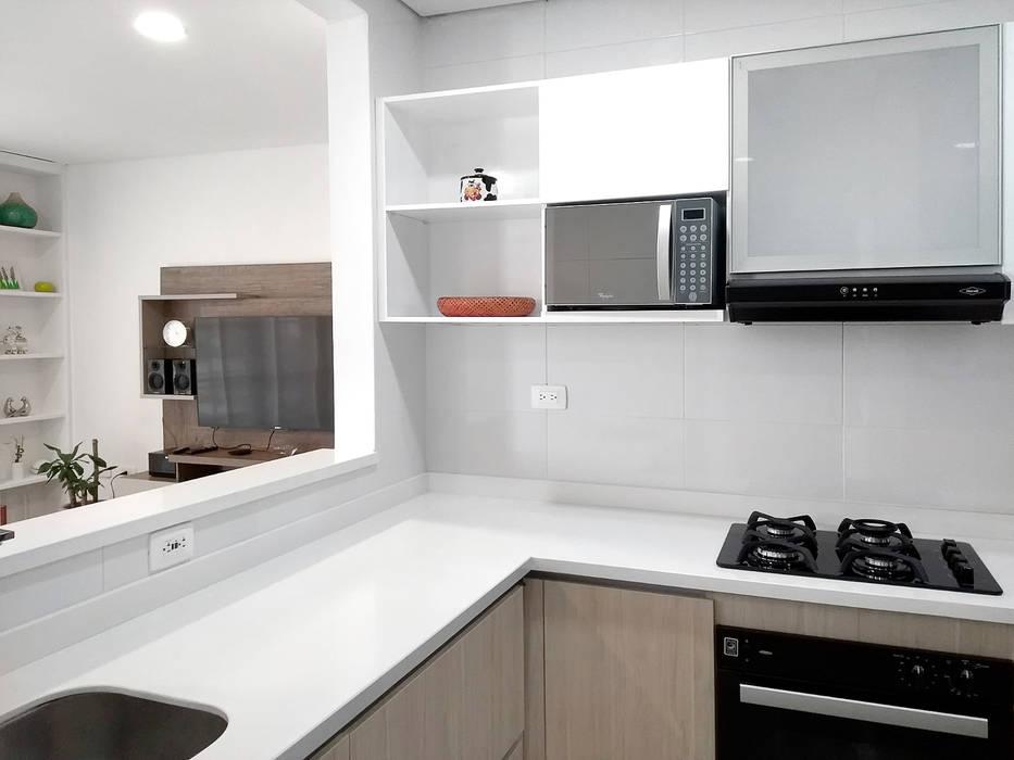 Reforma Cocina integral de Remodelar Proyectos Integrales Moderno Derivados de madera Transparente