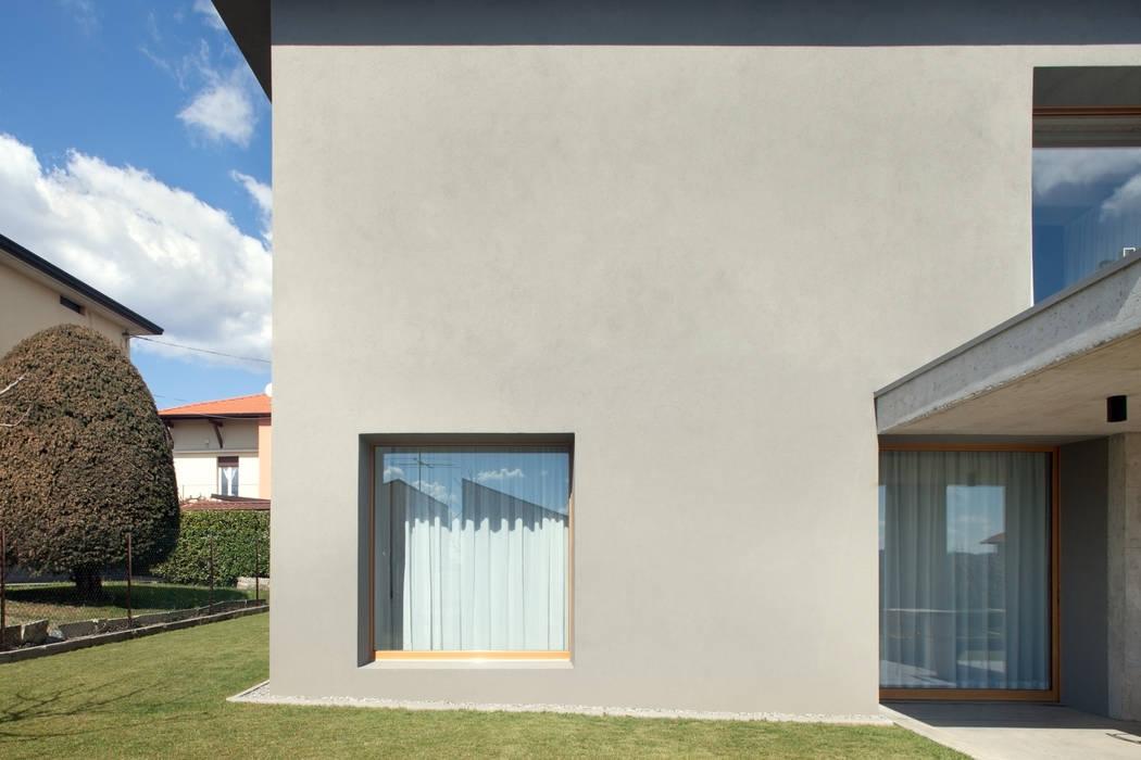 138_Casa con vista sulla valle di MIDE architetti Moderno