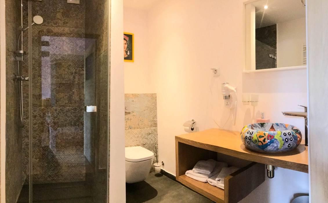 Umywalka meksykańska w łazience Kolonialna łazienka od Cerames Kolonialny
