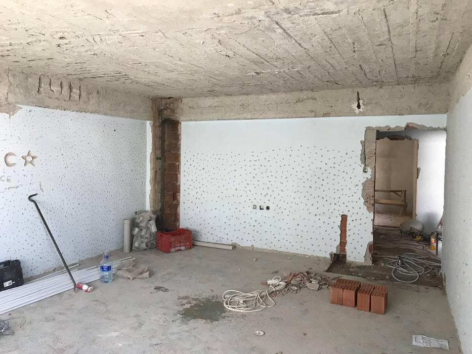 Orby İnşaat Mimarlık – Salon - Yapım Aşaması:  tarz ,