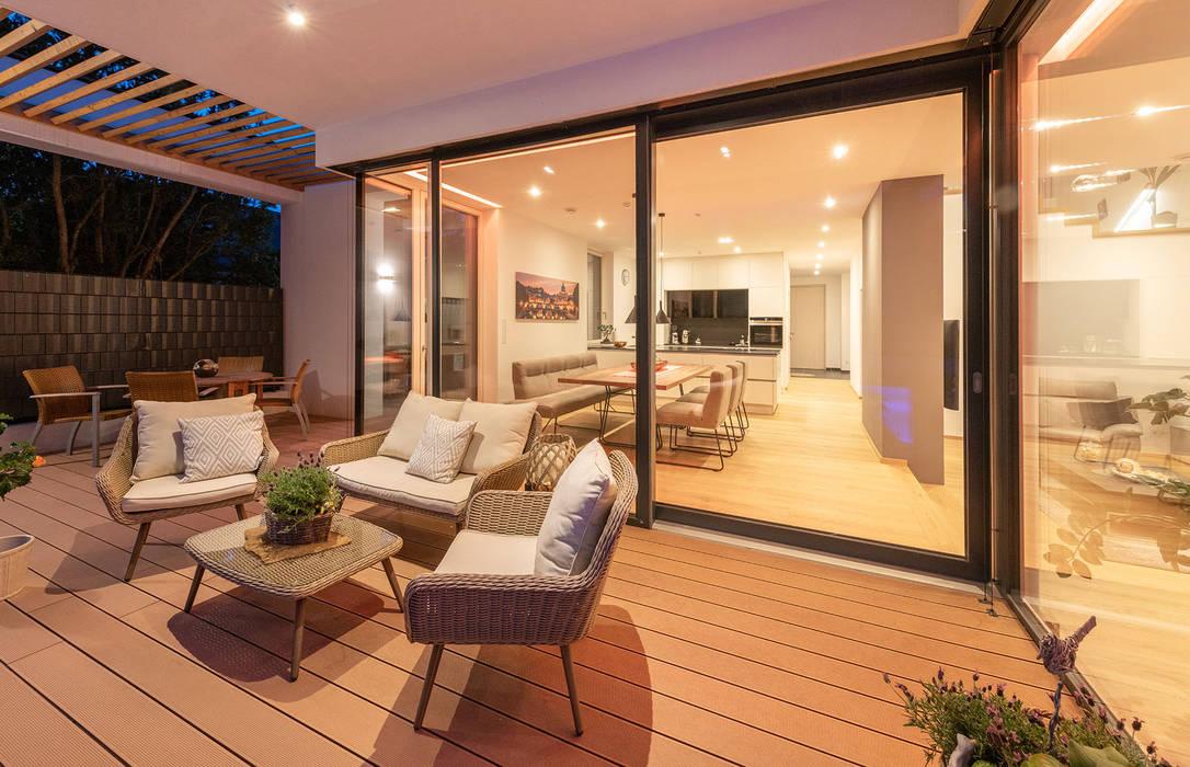 Moderne terrasse moderner balkon, veranda & terrasse von al ...