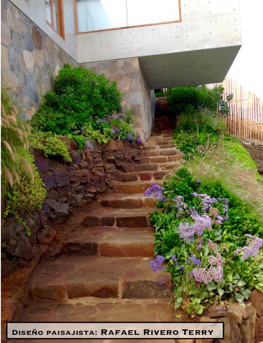 "Proyecto paisajista ""Casa jardín"". Club náutico Poseidon, Pucusana Lima Perú.: Jardines de estilo  por Rafael Rivero Terry arquitecto paisajista,"