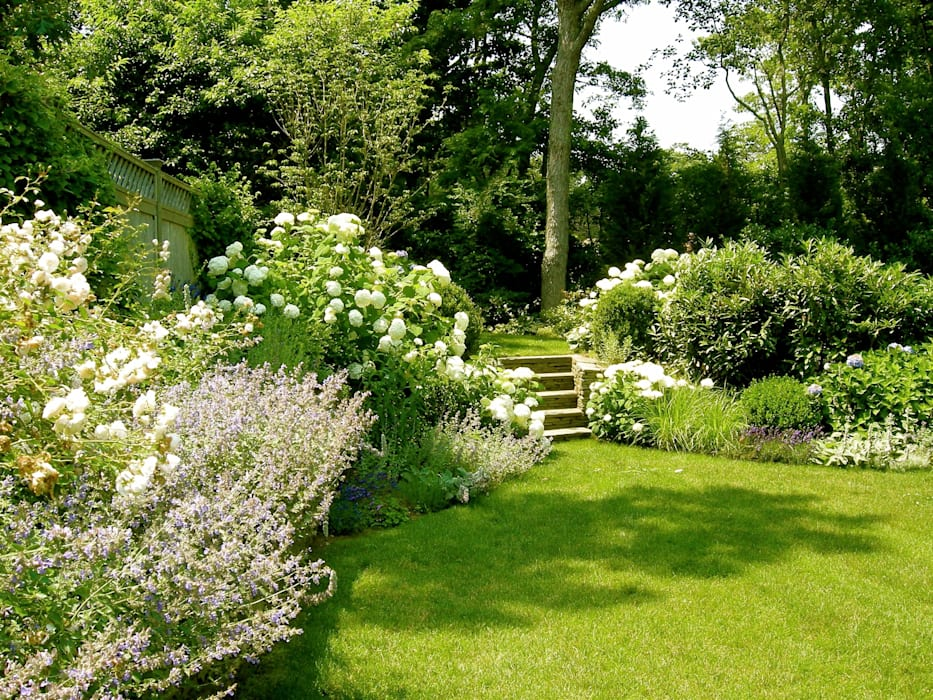 "Proyecto paisajista ""Casa Wainscott"". East Hampton, New York.: Jardines de estilo  por Rafael Rivero Terry arquitecto paisajista"